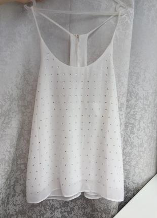 Стильная белая блуза на бретельки с камушками chic lady