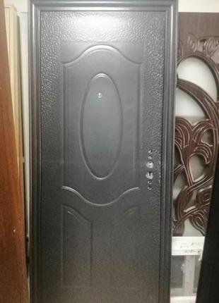 Двери входные, металлические, Украинские и Китай - всего 1800г...