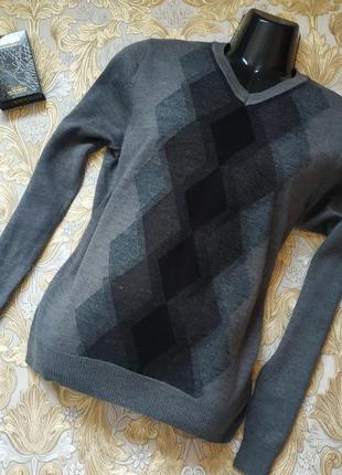 Хорошенький пуловер. на бирке- m-l р-р