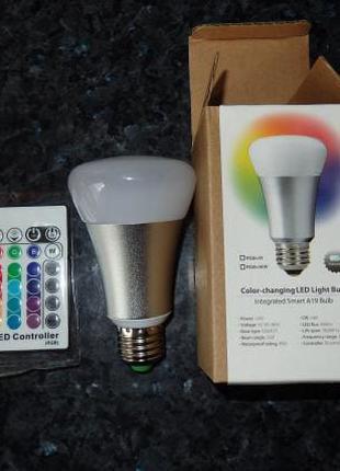 LED RGB лампочка с пультом