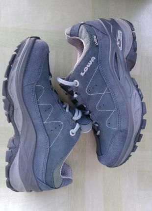 Нові напівчеревики кросівки шкіряні lowa toro ii gtx lo ws 320...