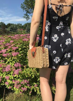 Плетенная сумка карамельного цвета