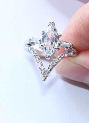 Двойное модное кольцо камень под сапфир