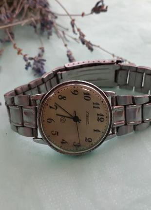 """Часы """"ракета"""", знак качества ссср, с металлическим браслетом 4..."""
