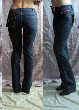 Оригинальные прямые джинсы  vinci на высокую худенькую девушку...