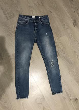 Узкие укороченные с высокой помадкой джинсы от only