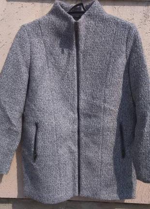 Пальто женское, размер 46, прямой покрой