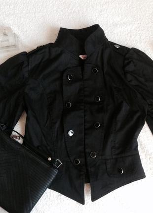 Модный укороченный пиджак / черный пиджак