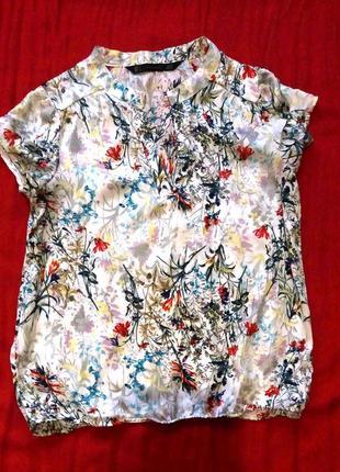 Блузка рубашка красивая в цветастый рисунок, р.s
