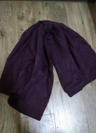 Широкий шарф бордового цвета, теплый