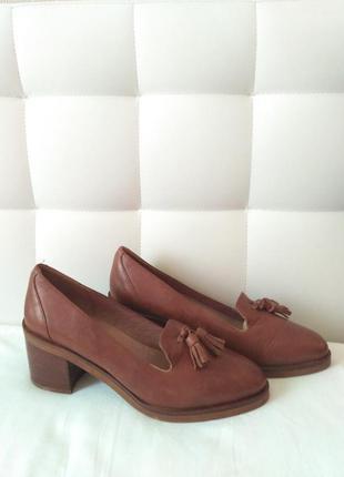 Туфли лоферы на каблуке кожа кожаные eur 41