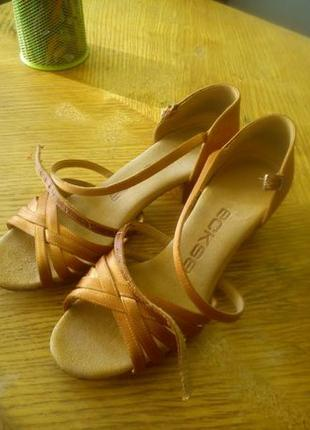 Туфли для бальных танцев Eckse