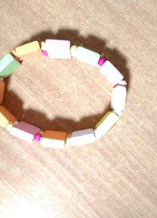 Яркий браслет для маленькой модницы, деревянный, лакованный