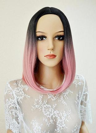 Парик каре омбре с имитацией кожи черно-розовый