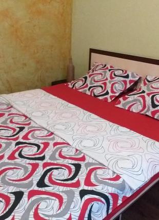 Скидка! яркий 2-спальный постельный набор в наличии