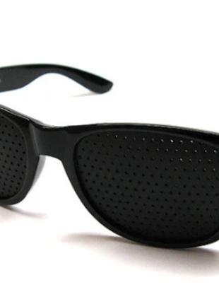 Очки тренажеры с дырочками для зрения Matsuda 001 сн2