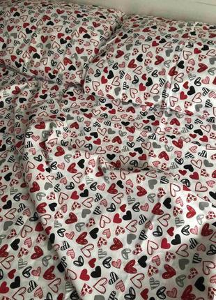 Красивое постельное белье, комплекты разные в наличии