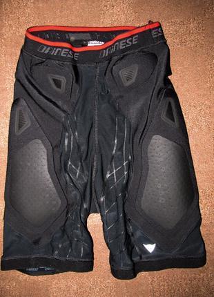Защитные шорты Dainese, размер-XS (лыжи,сноуборд)