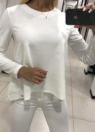 Плотная белая блузка. mohito. размеры уточняйте.