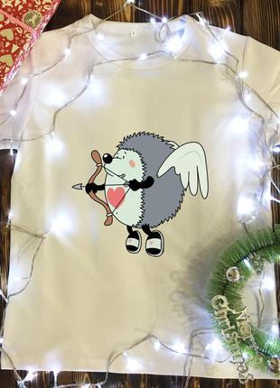Мужская футболка с принтом - ёжик амур