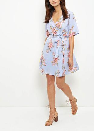 Платье на запах  в цветочный принт new look