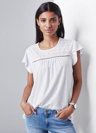 Нежная блузка-футболка с кружевом tcm tchibo