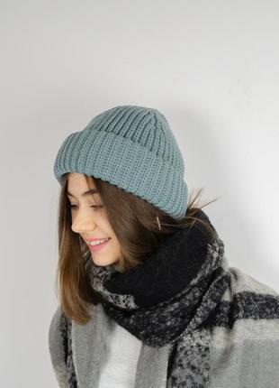 Трендовая шапка бини с отворотом