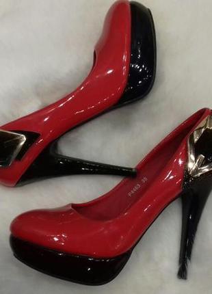 Мега яркие туфли на шпильке польша натур кожа