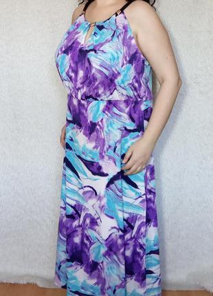 Яркое стильное платье батал