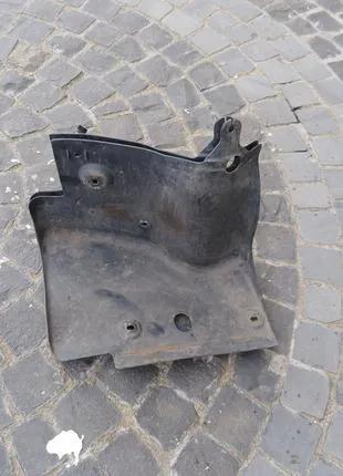 Защита двигателя ремня генератора Opel Zafira B 13221706