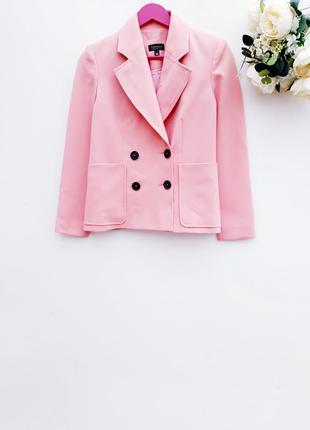Нежный блейзер плотный пиджак жакет с карманами