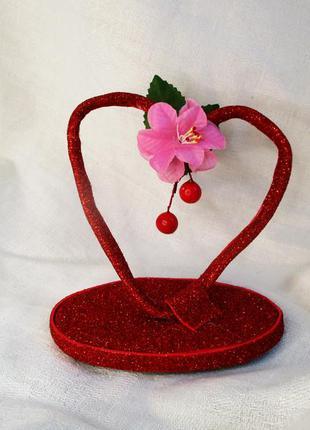 Статуэтка сердце на подставке подарок на день святого валентина