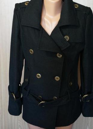 Красивое,короткое пальто