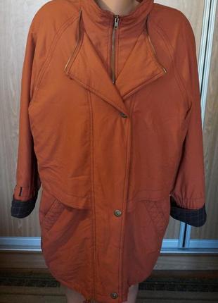 Классная куртка на тонком синтепоне