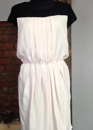 Дуже красиве плаття gharani strok london