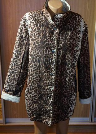 Классная,двухсторонняя куртка на тонком синтепоне