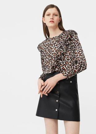 Блуза свободного кроя с рюшами актуальный леопардовый принт