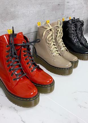 Красные лаковые ботинки в стиле dr. martens,красные лакированн...