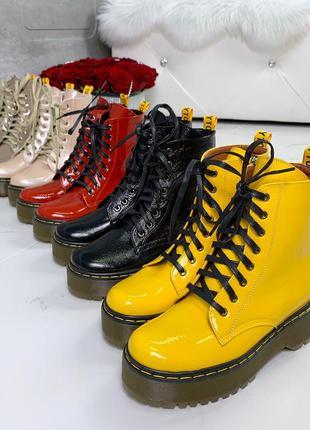 Жёлтые лаковые ботинки в стиле dr. martens,яркие лакированные ...