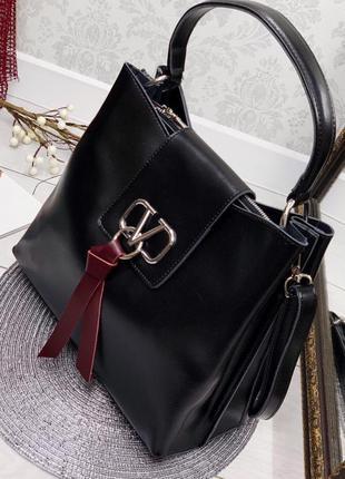 Женская кожаная сумка в стиле valentino валентино  цвета