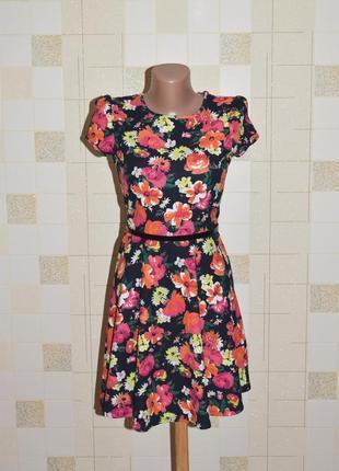 Яркое платье в цветах george