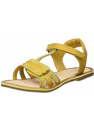 Кожаные босоножки сандалии kickers diamanto