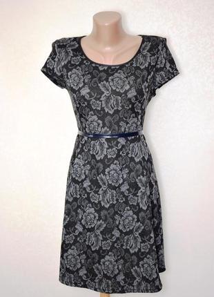 Платье в розах со вставками эко-кожи new look, размер xs