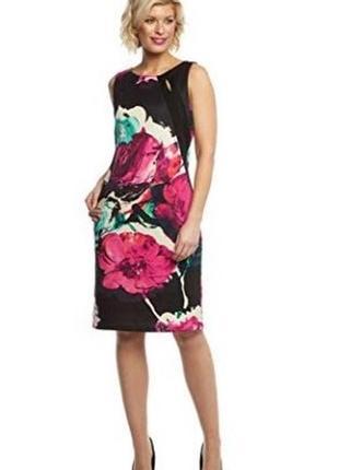 Платье по фигуре в цветочный принт