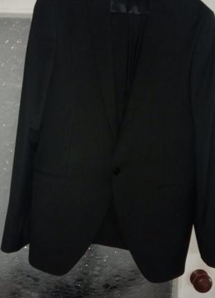 Классический,  выпускной, деловой костюм.