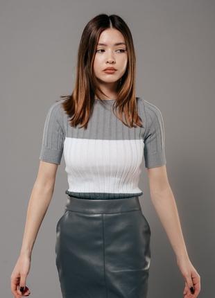 Женская вязаная футболка S-M