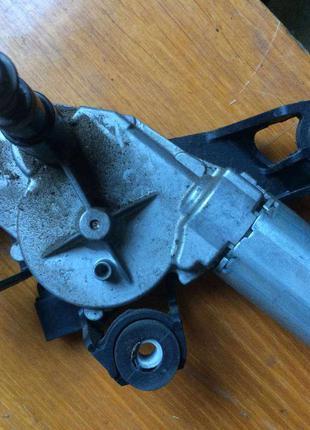 Б/у моторчик стеклоочистителя заднего стекла Renault Megane 2,
