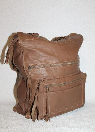 Большая кожаная сумка с красивыми ручками elements
