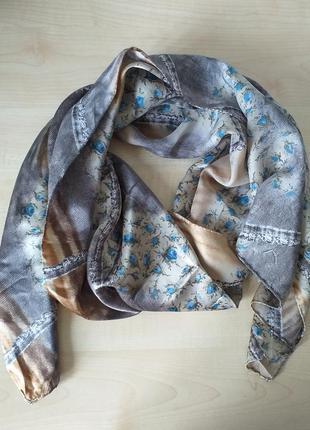 Красивый, нежный, шелковый шарф