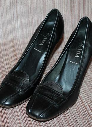 Оригинальные кожаные туфли prada 35,5 размер 23 см стелька